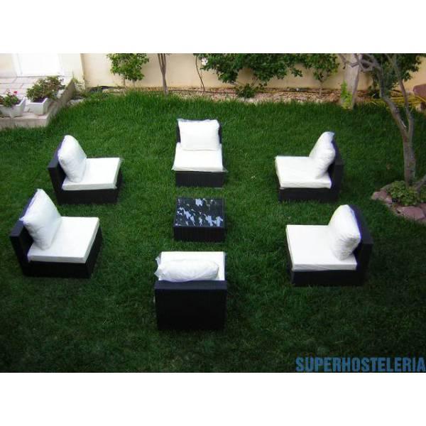 Dos sofás modulares y mesa de exterior suministros hosteleros