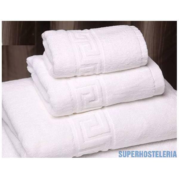 Toallas blancas para hoteles y hostelería suministros hosteleros